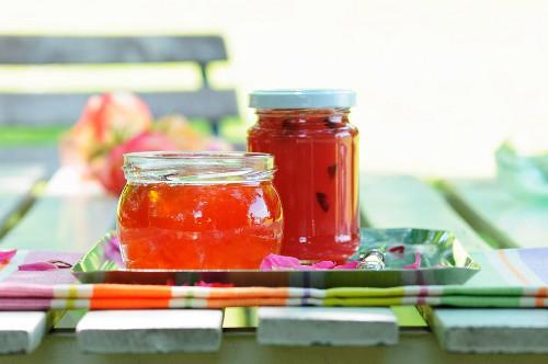 Pink grapefruit jam in two jars