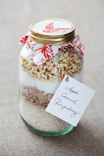 Apple and caramel rice pudding mix in a jar