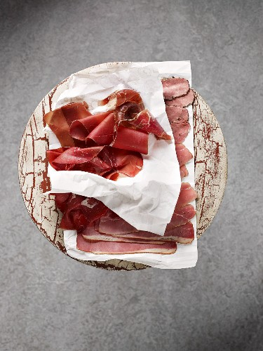 Smoked ham, sliced (view from above)