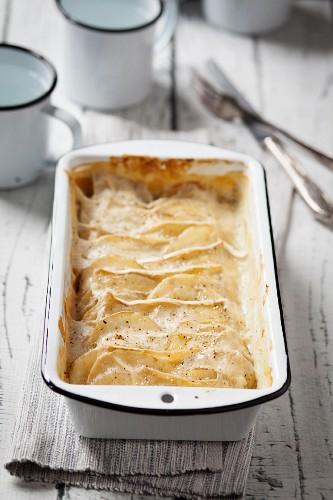 Camembert Potato Gratin in Baking Pan