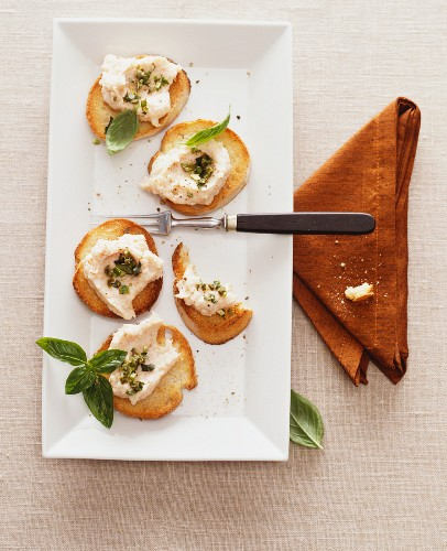 Crostini with salmon mousse