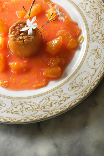 Prickly pear jelly with jasmine in orange sauce