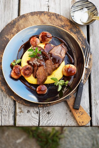Veal cheeks with polenta