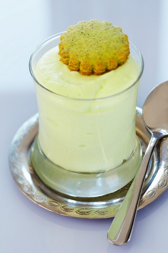 Matcha mousse with a matcha biscuit