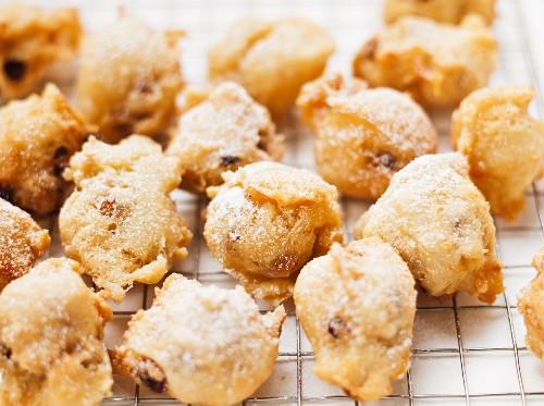 Deep-fried dough balls