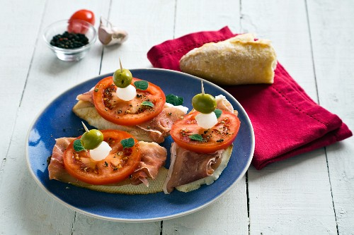 Tomato and ham pintxos.