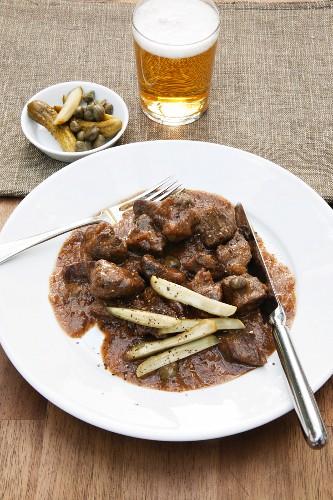 Pfefferpotthast (peppery beef stew from Westphalia, Germany)