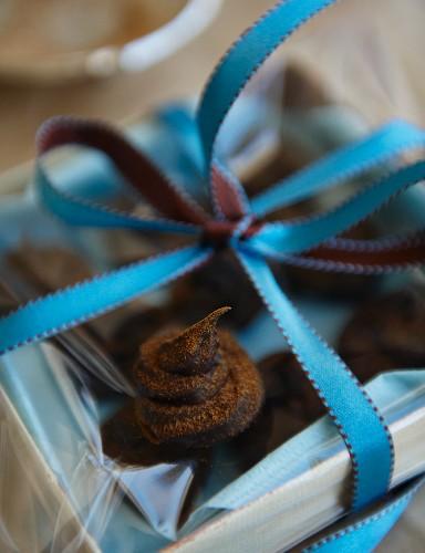 Cinnamon truffle as a Christmas present