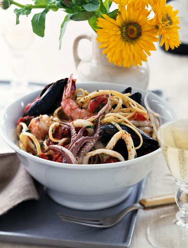 Linguine with seafood