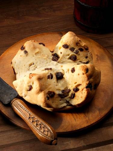 Irish raisin bread