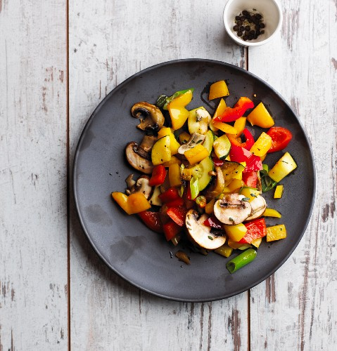 Colourful fried vegetables with fresh mushrooms (low carb)