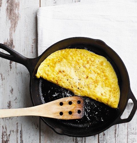Cheese omelette in a pan (low carb)