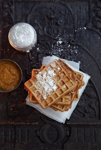 Cinnamon waffles with quince sauce