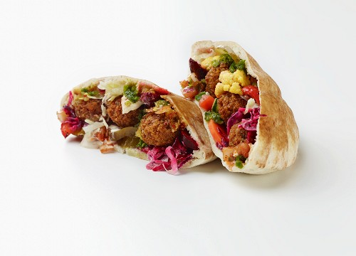 Stuffed pita bread with falafel and vegetables