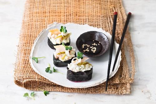 Gunkan sushi with smoked fish