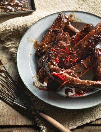 Pork ribs with ginger and molasses