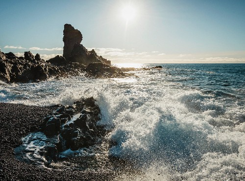 Breakers on the beach at Djupalonssandur on the Snaefellsnes peninsula (Iceland)