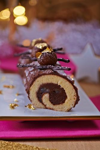 Bouche de Noel (French Christmas cake)