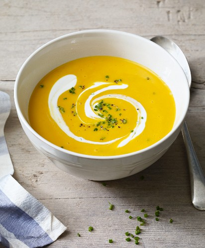 Cream of pumpkin soup with sour cream for an alkaline diet