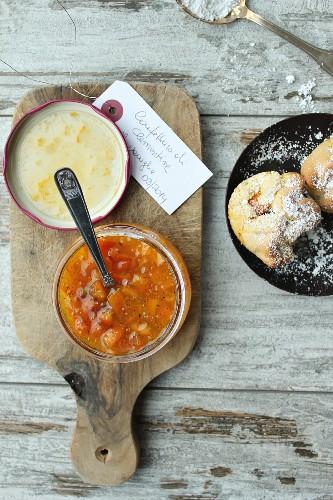 Mandarin marmalade with vanilla and bacon rolls