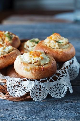 Vatrushka (potato rolls with cheese, Russian)
