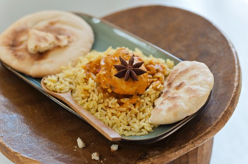Spiced rice and naan bread (India)