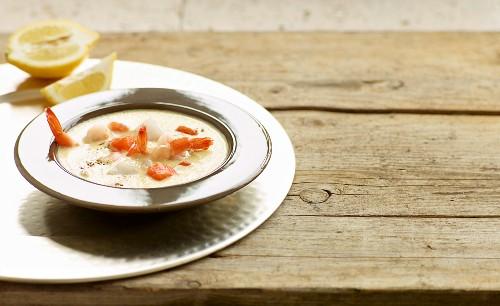 Quick fish goulash in a mustard foam