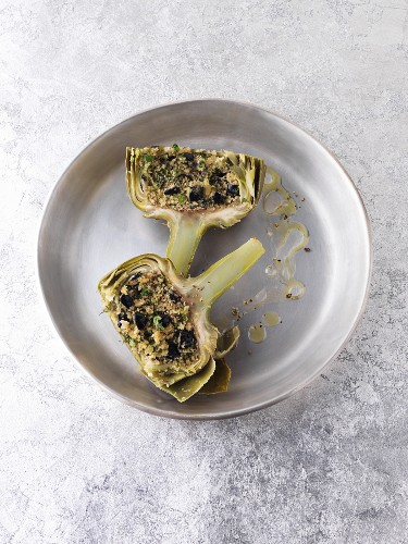 Artichoke stuffed with herbs and olives