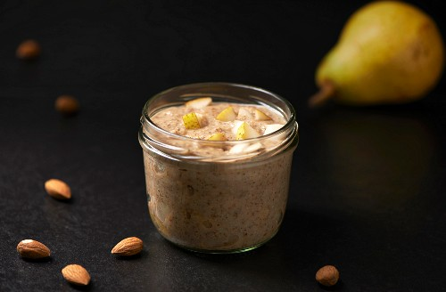 Chia seeds with pear cream and almonds (Paleo diet)