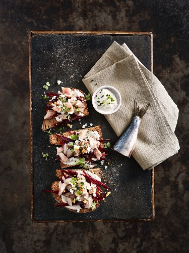 Herring and beetroot with bread