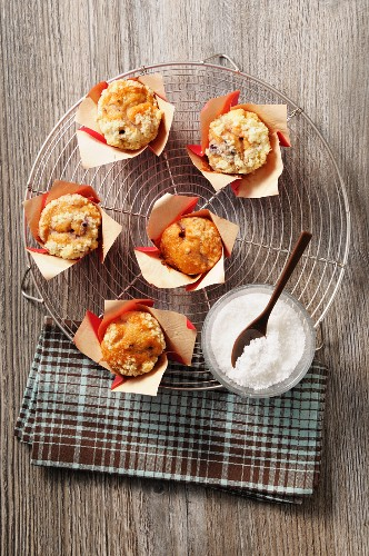 Yeast dough muffins filled with cream