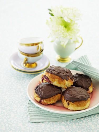 Sweet buns with chocolate glaze