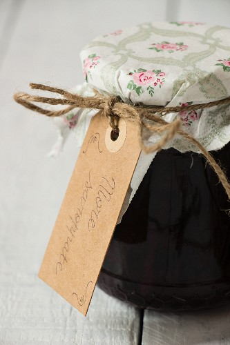 Preserved blackberries