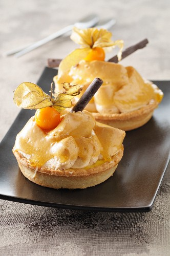 Tartlets with chestnut cream and physalis