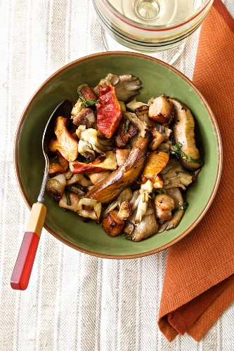 Sautéed mushrooms with caramelised shallots and pork belly