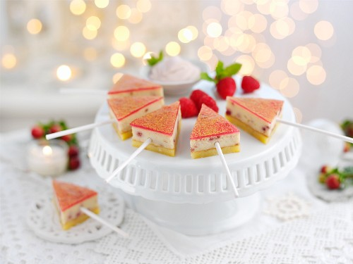 White chocolate and raspberry lollies for Christmas
