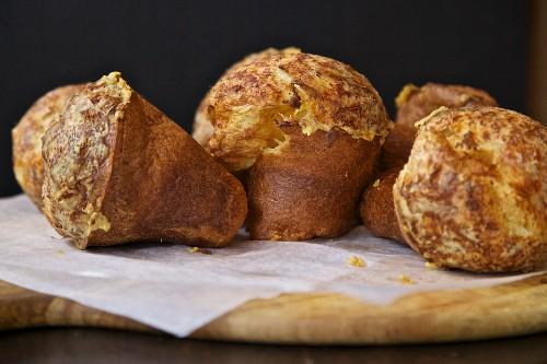 Popovers (American breakfast pastries)