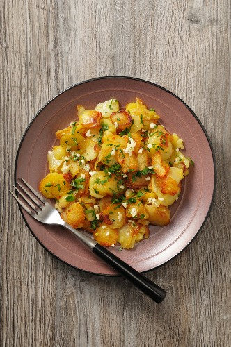 Pommes de terre sarladaises (potatoes fried in goose fat, France)