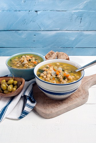 Chickpea soup and olives (Greece)