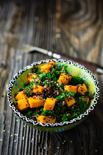 Quinoa with kale and pumpkin