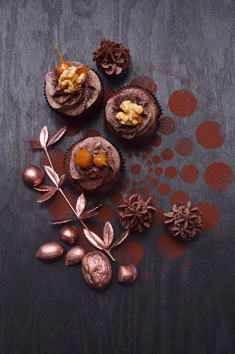 Cupcakes with nuts