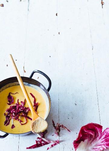 Cream of chestnut soup with radicchio (paleo)