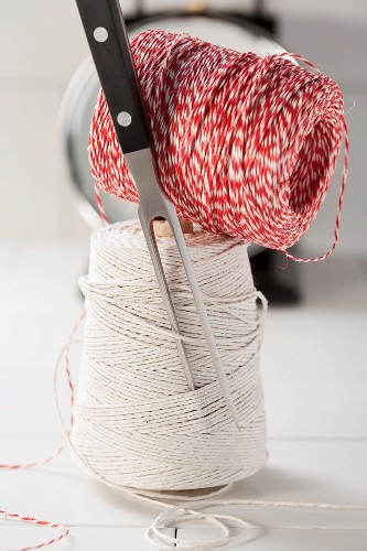 Kitchen twine and carving fork