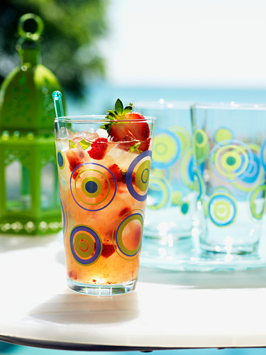 Summer afternoon (cocktail with rum, strawberries & basil)