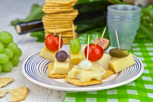 Cracker and cheese on sticks