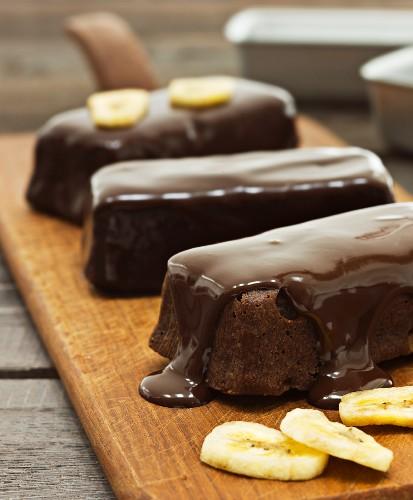 Schokoladenkuchen mit Bananen