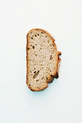Eine Brotscheibe