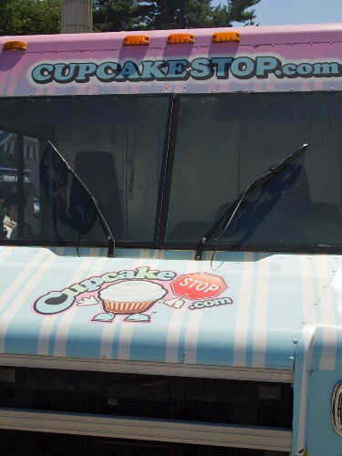 A cupcake truck at the Food Truck Rally in Grand Army Plaza, Brooklyn, NY