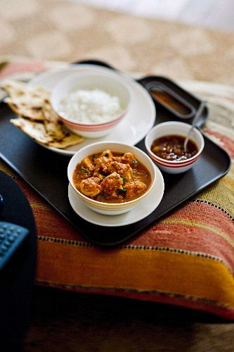 Butter chicken (Indian chicken curry dish with spinach)