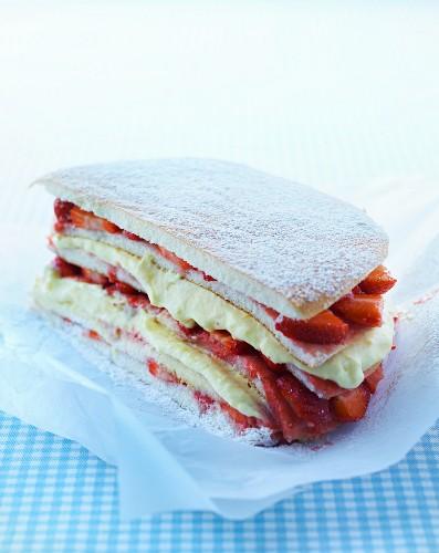 Strawberry sponge cake with vanilla cream